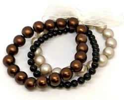 Dainty Pearls Bracelet