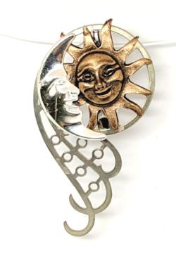 Sun & Moon Kiss