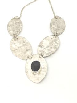 Five Spoon Onyx Collar